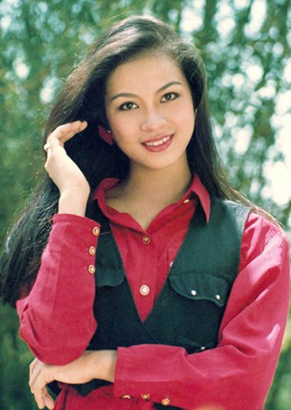 Vẻ đẹp vượt thời gian của MC Thanh Mai ở tuổi U50 - Ảnh 1.