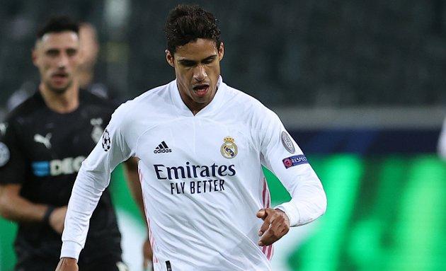 Varane chỉ còn 1 năm hợp đồng với Real Madrid.