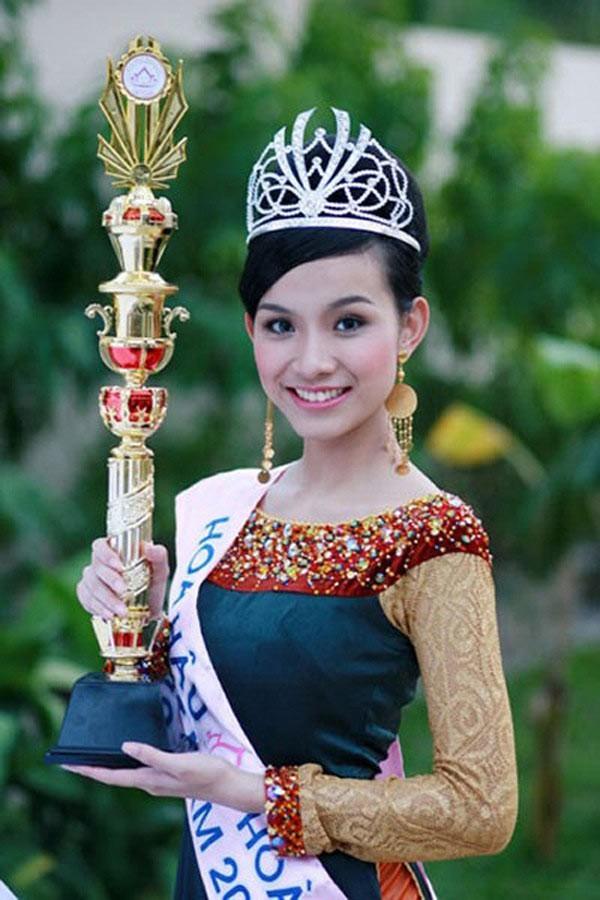 Người đẹp đầu tiên từng đăng quang Hoa hậu Hoàn vũ Việt Nam giờ ra sao? - Ảnh 2.