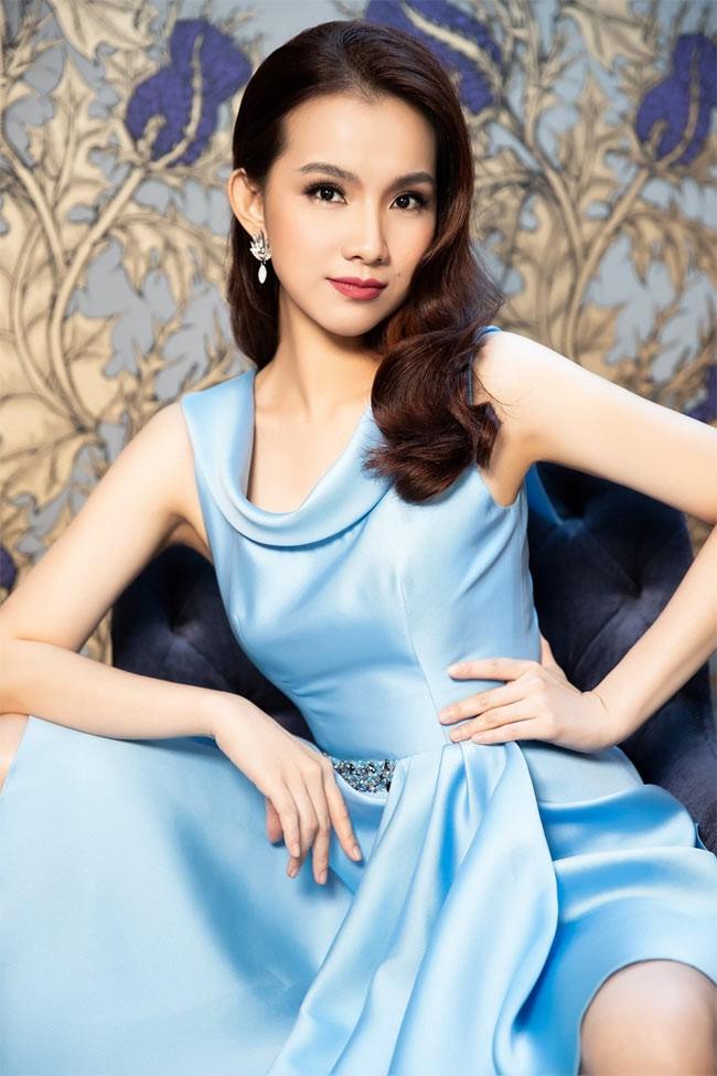Người đẹp đầu tiên từng đăng quang Hoa hậu Hoàn vũ Việt Nam giờ ra sao? - Ảnh 3.