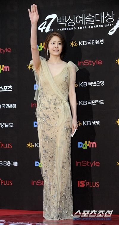 Bi kịch hôn nhân khi lấy chồng giàu của Á hậu nổi tiếng nhất Hàn Quốc - Ảnh 1.