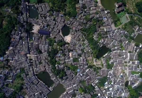 Chuyện kỳ lạ ở ngôi làng cổ hơn 600 năm không ai dám vào vì dễ vào khó ra, hóa ra sự thật là đây - Ảnh 6.