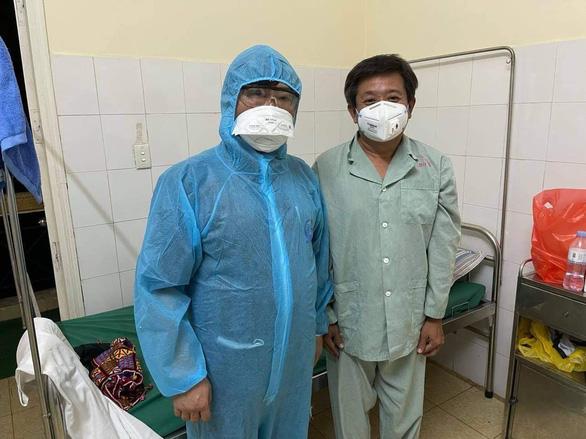 Ông Đoàn Ngọc Hải, âm tính với SARS-CoV-2 lần 2, được ra viện - Ảnh 1.