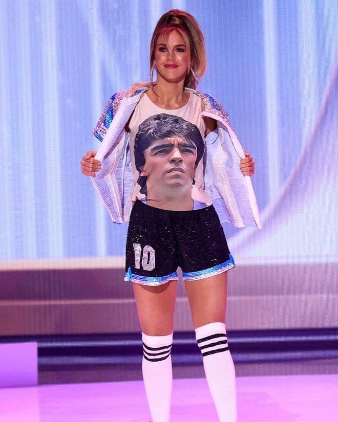 Hoa hậu Argentina tri ân Maradona đầy ấn tượng tại Miss Universe - Ảnh 3.