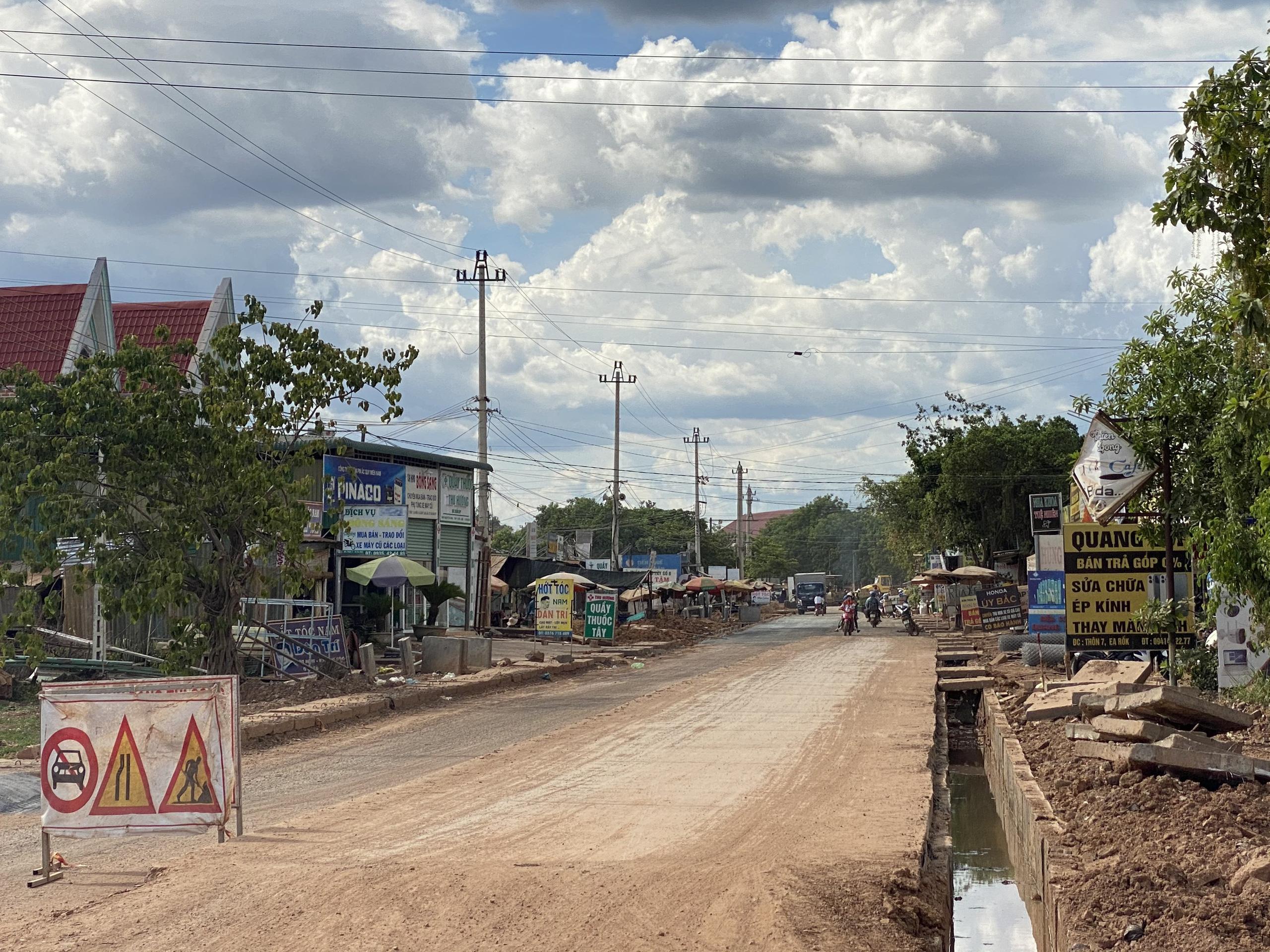 Đắk Lắk: Hơn 1.000 tỉ đồng nối thông trung tâm với đường biên giới Ea Súp - Ảnh 2.