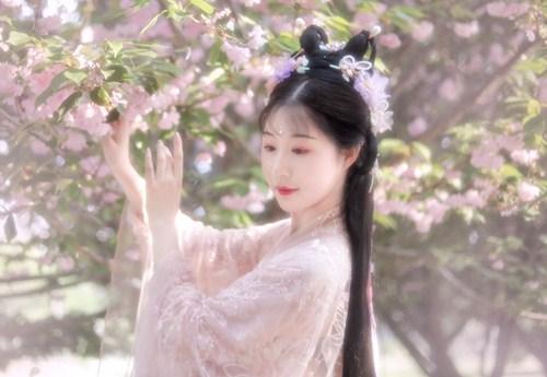 Tuyệt thế mỹ nữ thời Xuân Thu gặp bi kịch vì quá xinh đẹp, khi qua đời hoa đào bay đầy trời  - Ảnh 1.