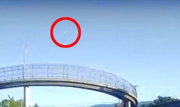 Một thiên thạch bay ngang qua bầu trời California vào ban ngày - Ảnh 3.