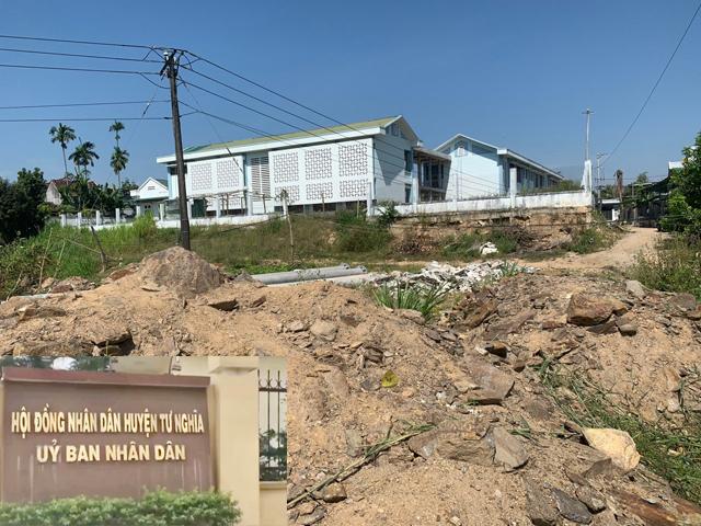 Quảng Ngãi: Chủ tịch tỉnh chỉ đạo xử lý dự án khởi công ẩu, gian lận, chậm tiến độ  - Ảnh 5.
