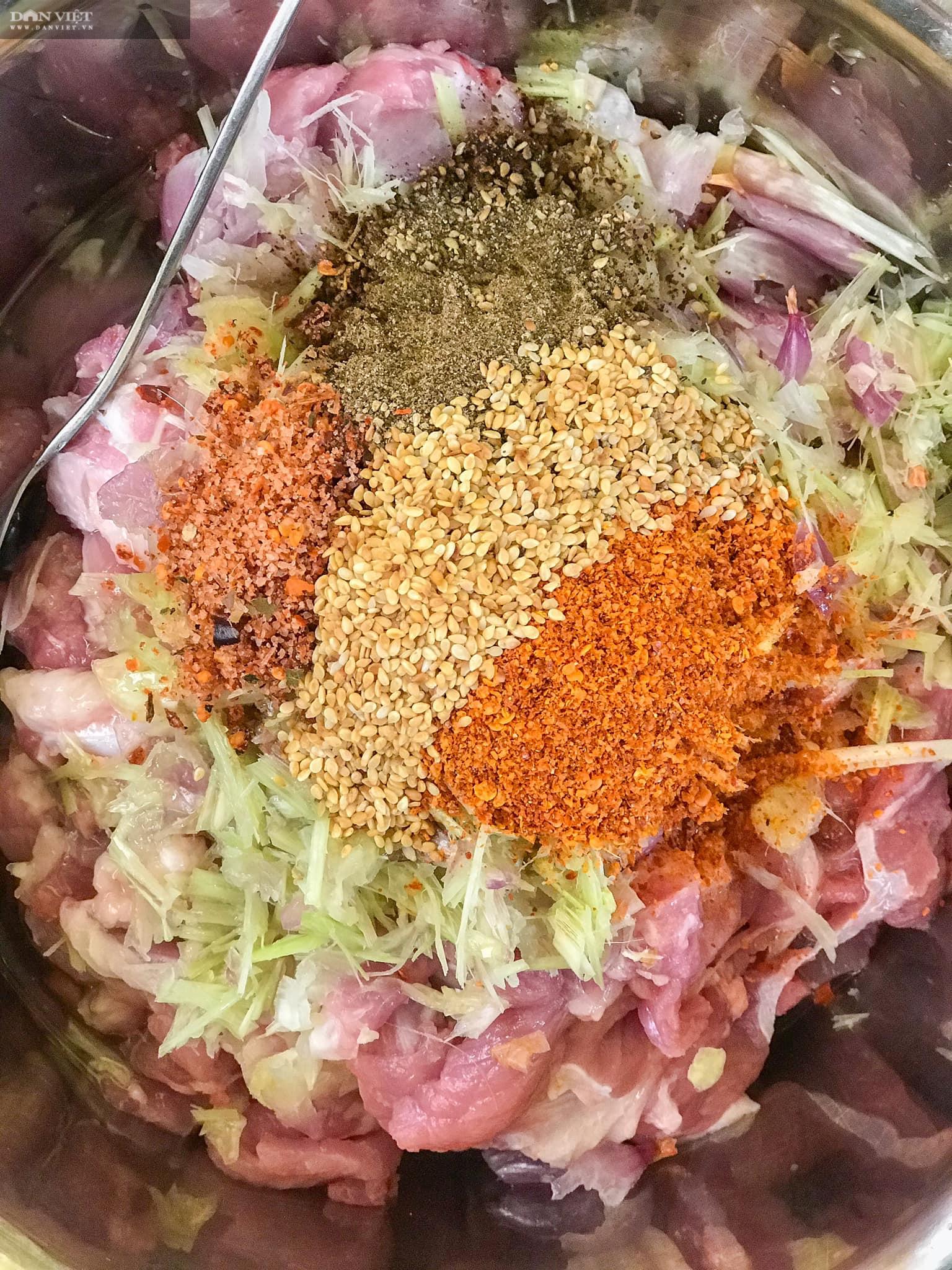 Cách ướp thịt nướng than hoa cực ngon - Ảnh 1.