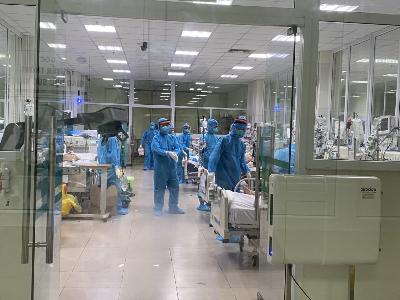 Cam go ở nơi điều trị bệnh nhân Covid-19 đông nhất Việt Nam  - Ảnh 3.