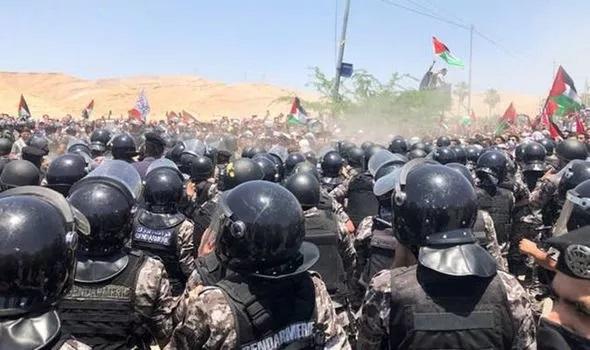Vòng xoáy bạo lực ở Gaza có nguy cơ lan rộng khắp Trung Đông  - Ảnh 2.