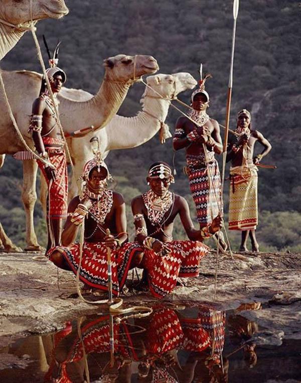 """Ấn tượng với tục lệ giết bò, cướp cô dâu của các """"chiến binh"""" bộ lạc Ariaal - Ảnh 7."""