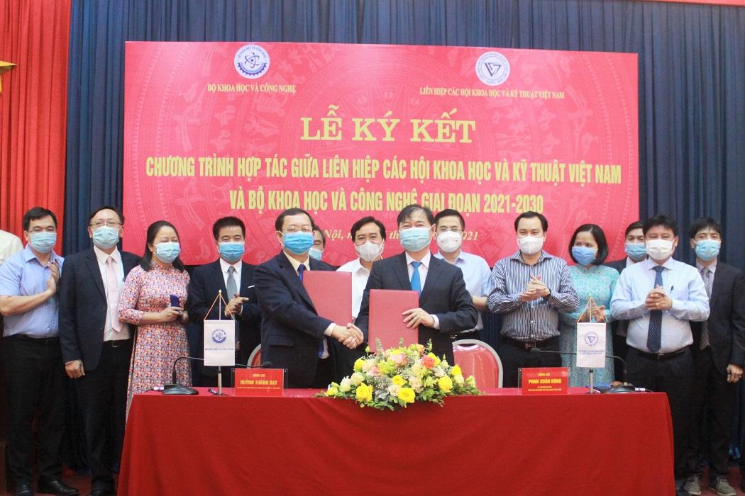 VUSTA ký kết hợp tác với Bộ Khoa học và Công nghệ  - Ảnh 2.