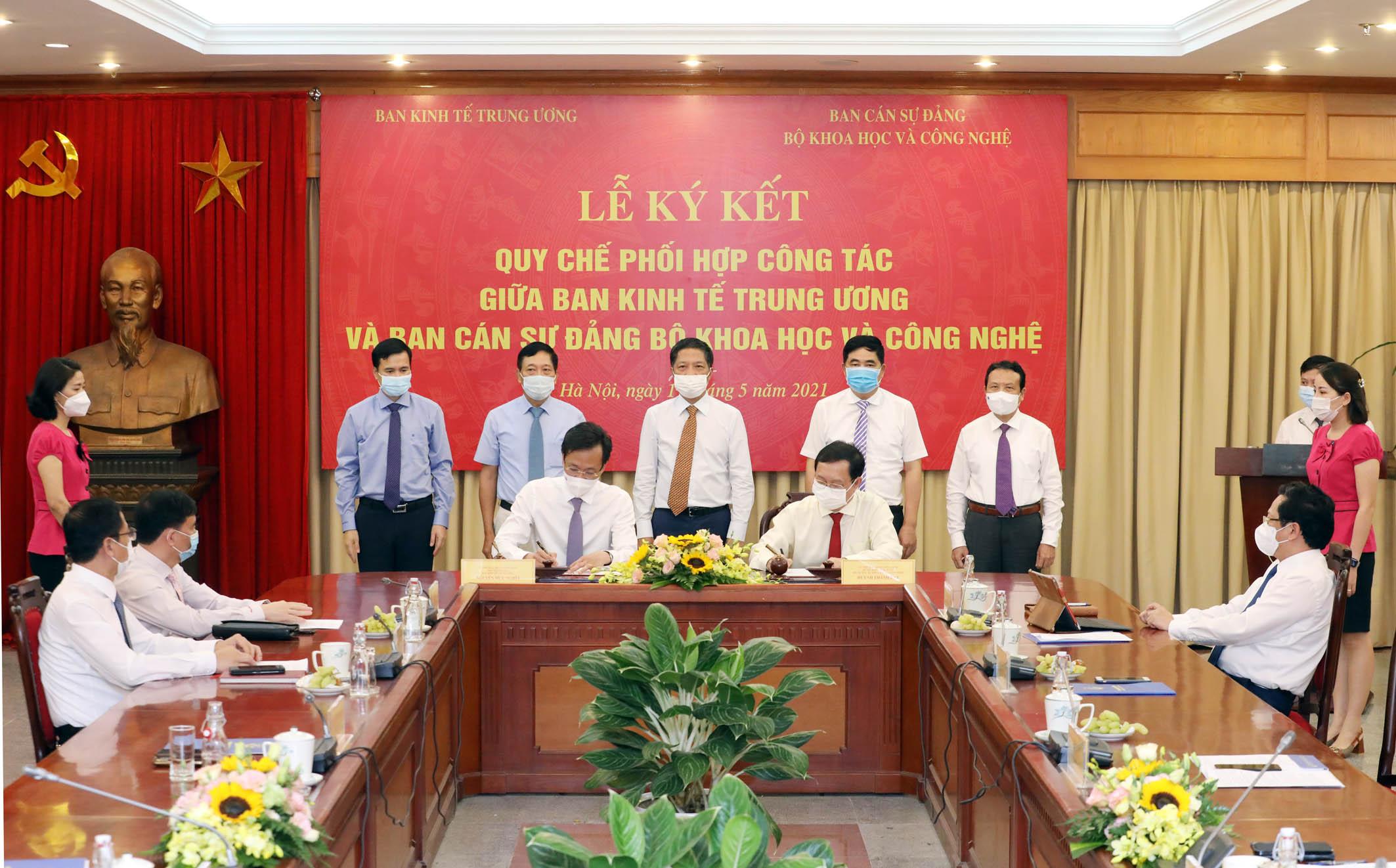 Ban Kinh tế TƯ đặt hàng Bộ Khoa học và Công nghệ nghiên cứu các vấn đề có tính dự báo - Ảnh 3.