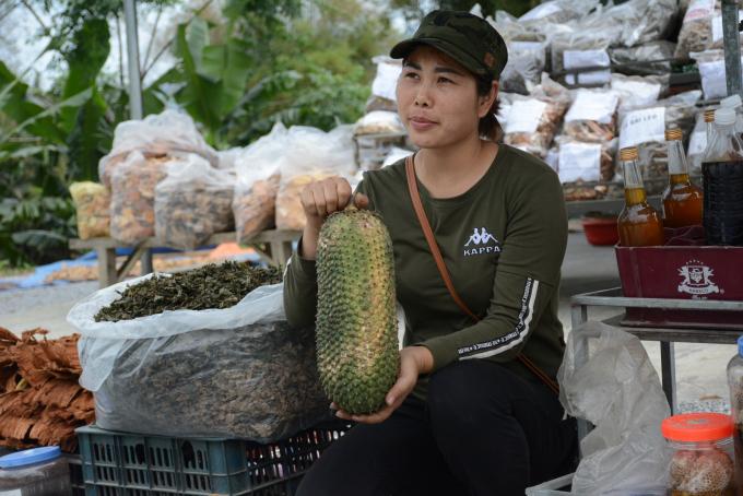 Lạ lùng ngôi chợ lạ ở Yên Bái, gi gỉ gì gi cái gì cũng đồng giá 5.000 đồng - Ảnh 3.
