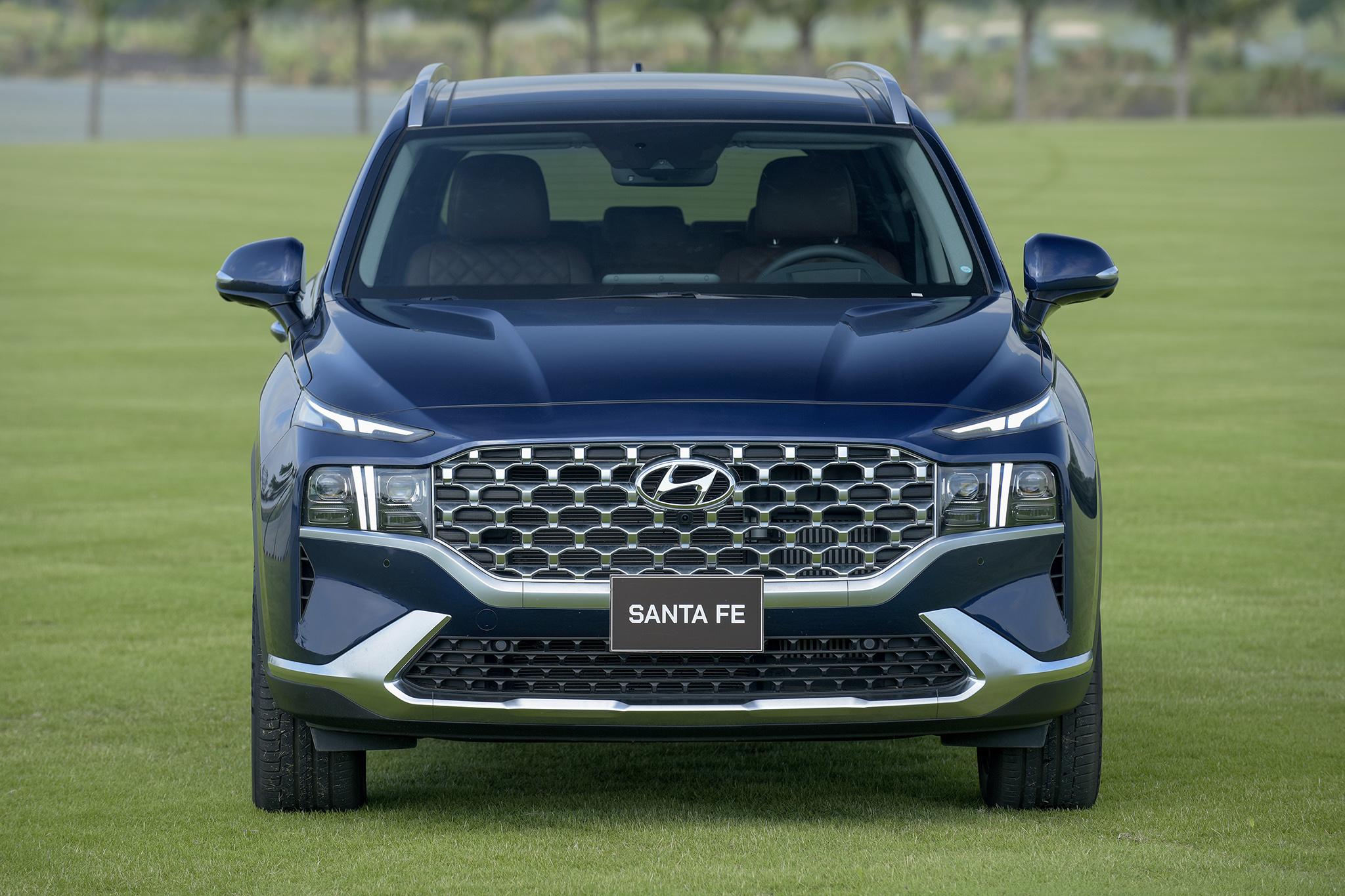 Hyundai Santa Fe 2021 chính thức ra mắt tại Việt Nam - Ảnh 4.
