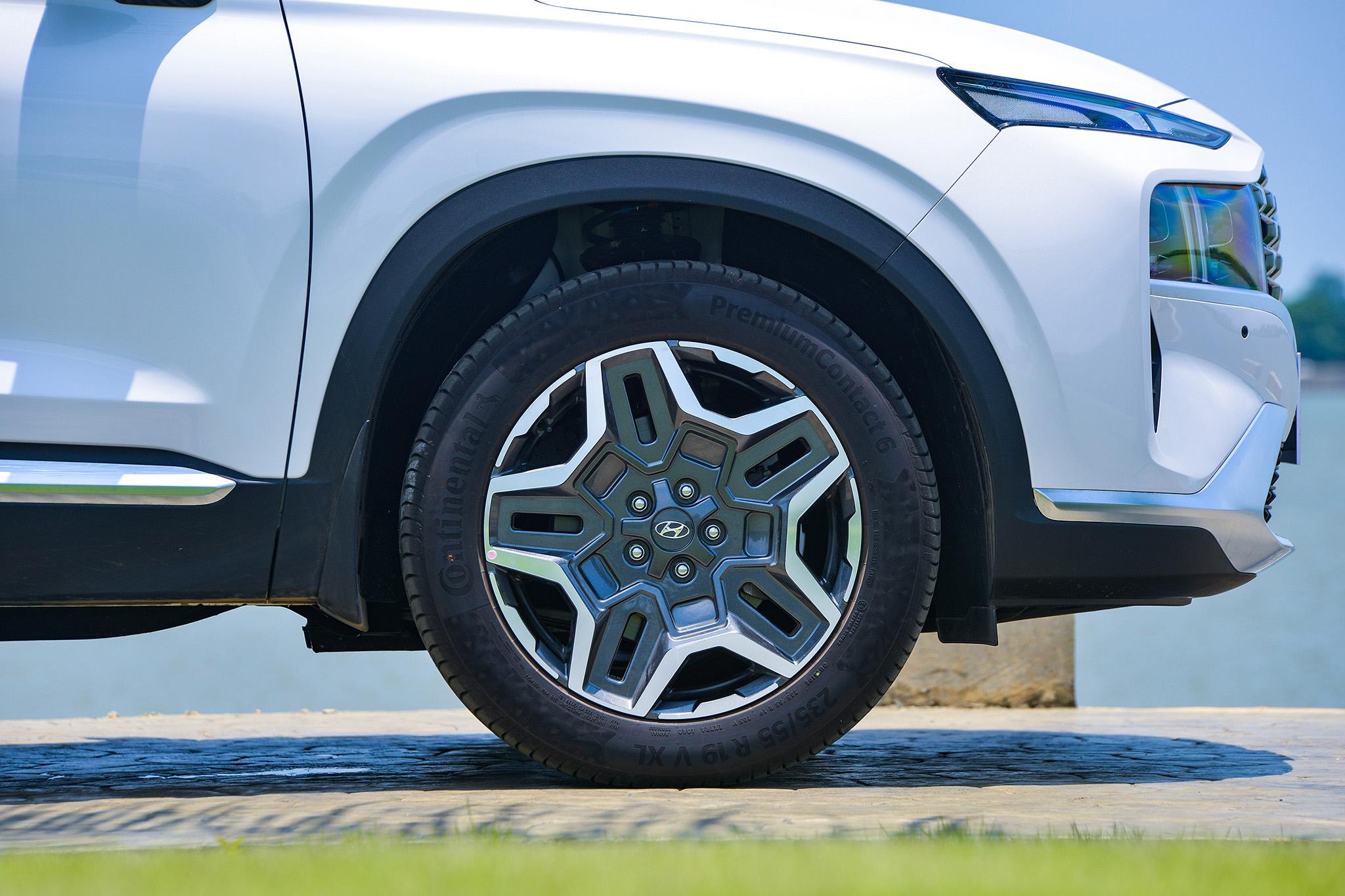 Hyundai Santa Fe 2021 chính thức ra mắt tại Việt Nam - Ảnh 14.
