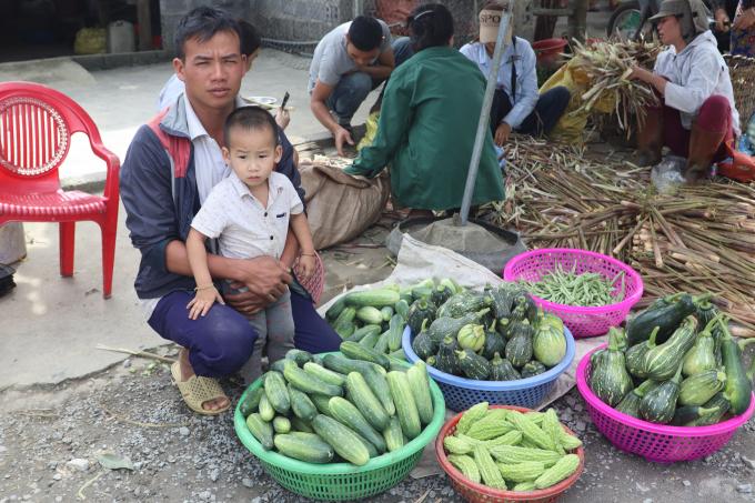 Lạ lùng ngôi chợ lạ ở Yên Bái, gi gỉ gì gi cái gì cũng đồng giá 5.000 đồng - Ảnh 1.