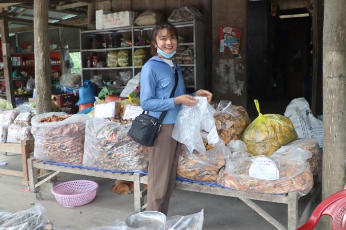 Lạ lùng ngôi chợ lạ ở Yên Bái, gi gỉ gì gi cái gì cũng đồng giá 5.000 đồng - Ảnh 5.