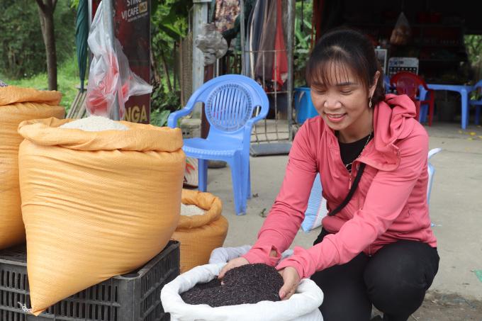 Lạ lùng ngôi chợ lạ ở Yên Bái, gi gỉ gì gi cái gì cũng đồng giá 5.000 đồng - Ảnh 2.
