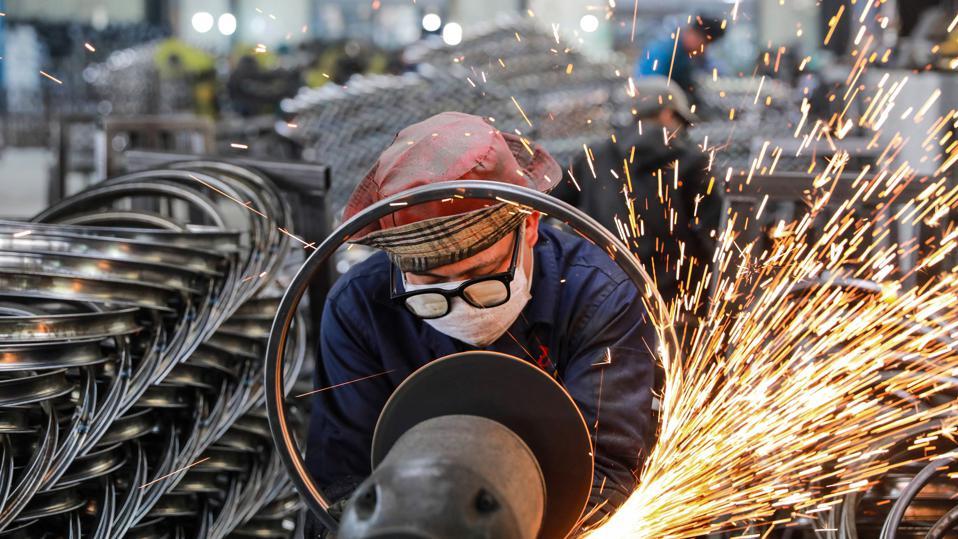 Đà phục hồi kinh tế Trung Quốc bắt đầu giảm tốc - Ảnh 1.