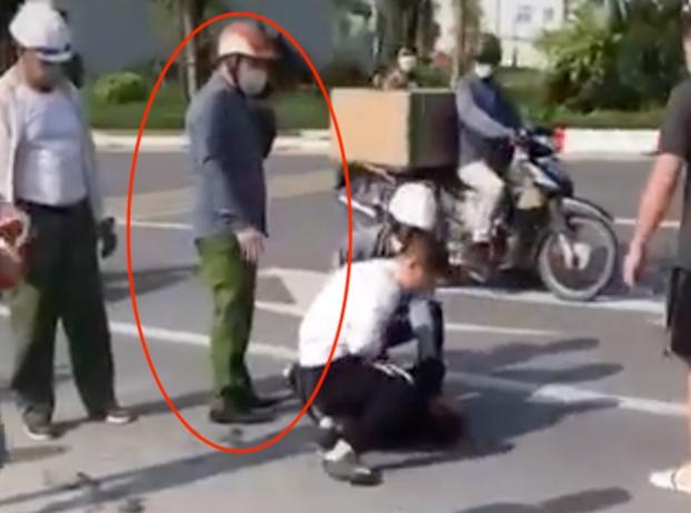 """Công an tường trình gì sau vụ """"chỉ đứng nhìn tài xế taxi vật lộn với cướp""""? - Ảnh 1."""