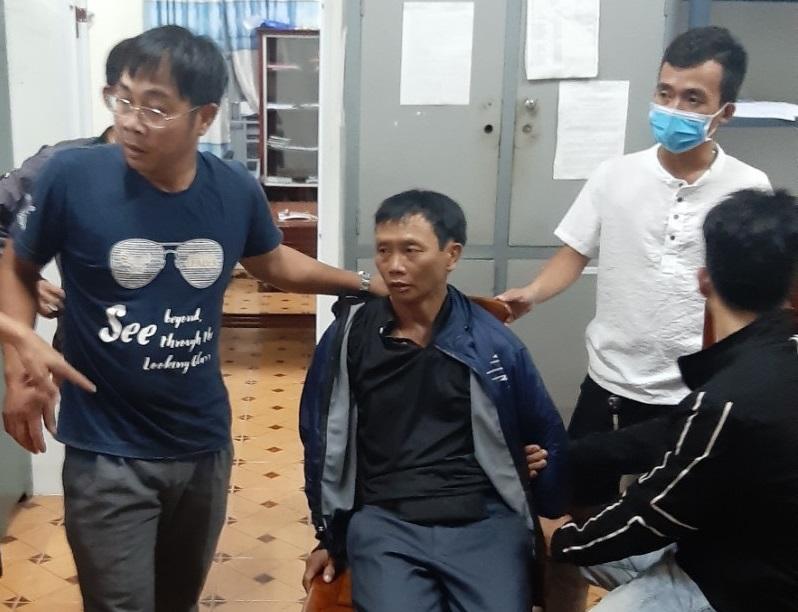 CSGT Lâm Đồng bắt được đối tượng mua bán ma túy bị truy nã đặc biệt nguy hiểm - Ảnh 1.