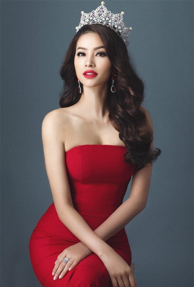 6 năm sau khi đăng quang Hoa hậu, cuộc sống của Phạm Hương ngày càng viên mãn - Ảnh 3.