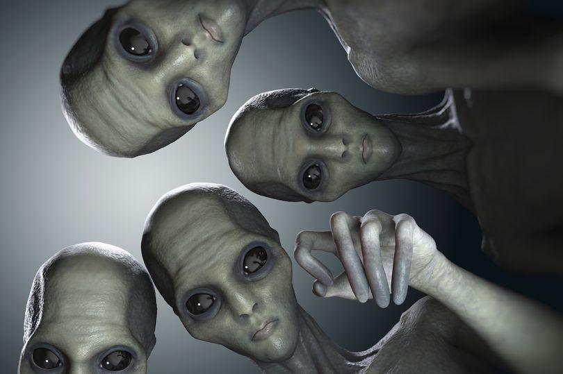 Ai sẽ đại diện cho phe 'con người' nếu người ngoài hành tinh đến Trái đất? - Ảnh 1.