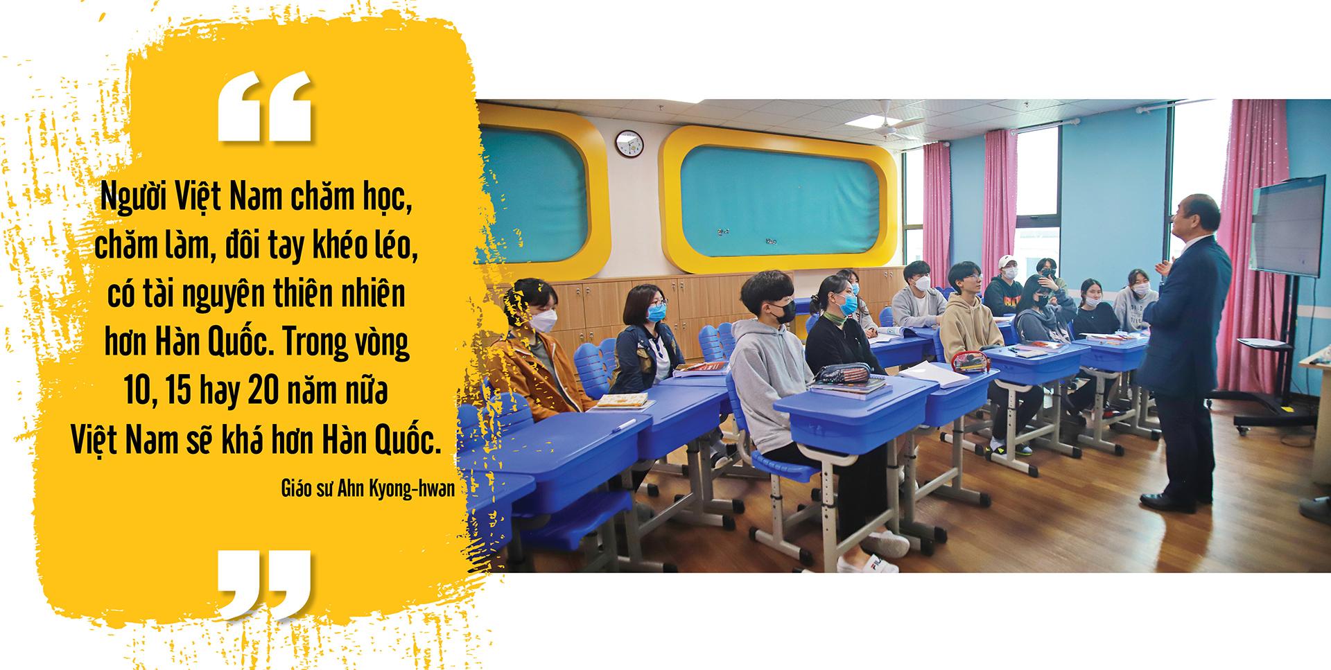 """Giáo sư Ahn Kyong-hwan: Những giá trị của """"Nhật ký trong tù"""" cần được lan tỏa mãi mãi - Ảnh 17."""
