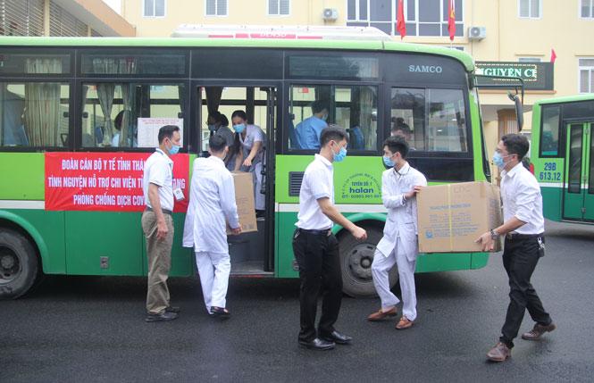 51 y bác sỹ của Thái Nguyên lên đường hỗ trợ Bắc Giang chống dịch - Ảnh 2.