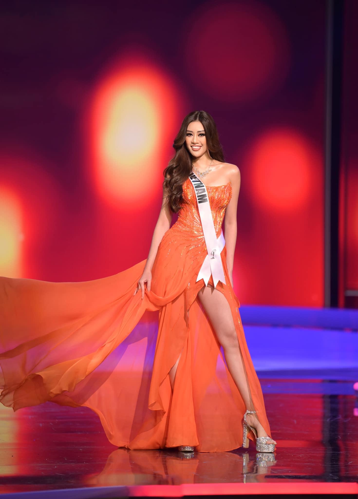 """Khánh Vân: Từ Hoa khôi Áo dài giản dị 8 năm trước đến Top 21 Miss Universe 2020 """"lột xác"""" khó tin - Ảnh 9."""