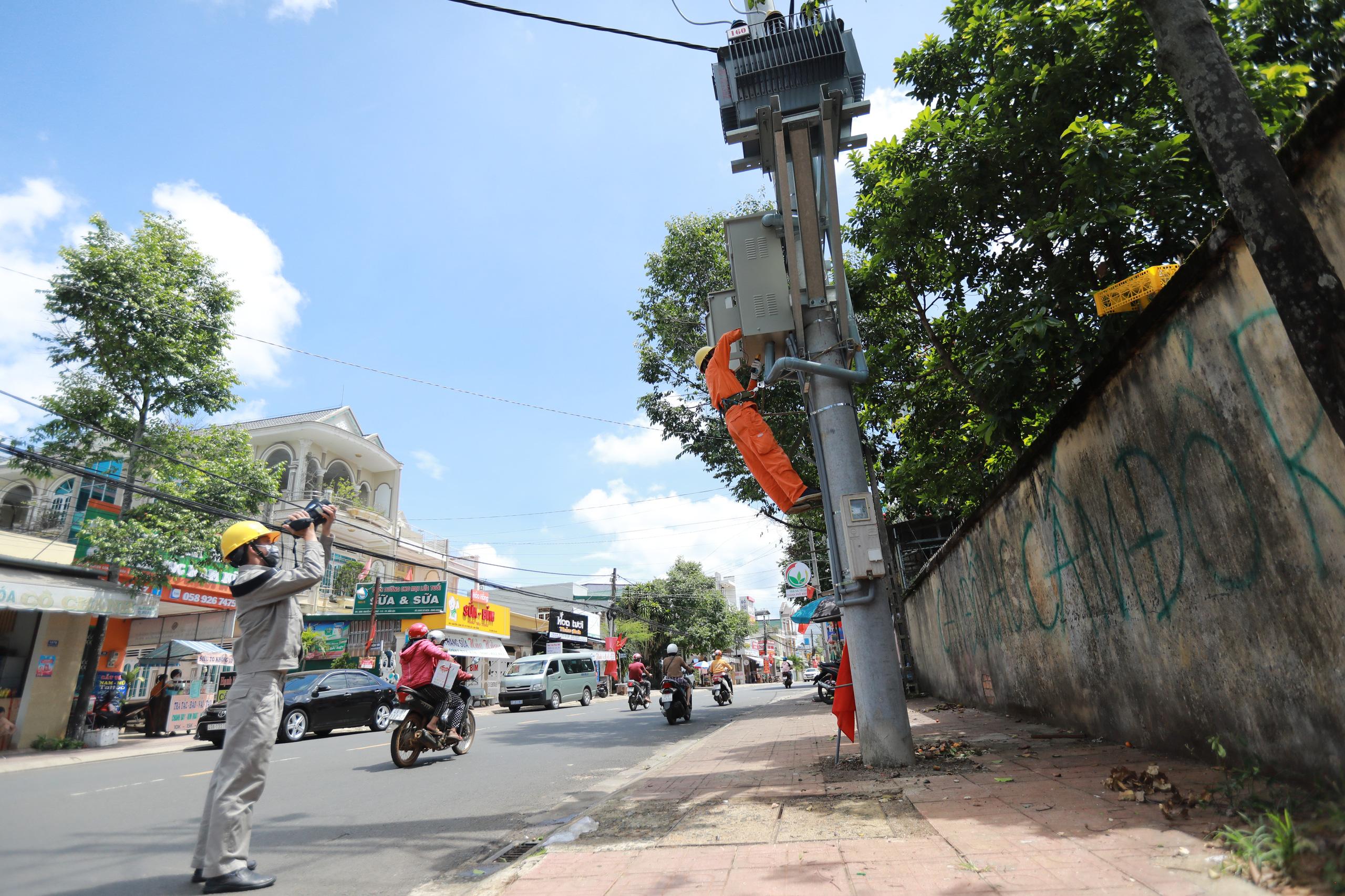 PC Lâm Đồng: Đảm bảo cung cấp điện trong thời gian bầu cử - Ảnh 2.