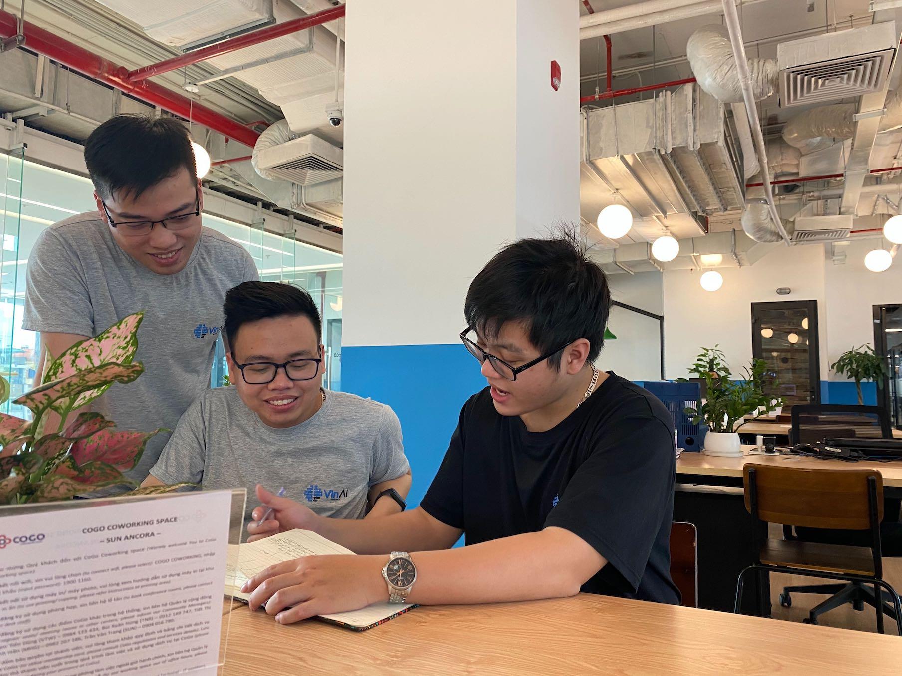 VinAI - Bệ phóng khoa học của các tài năng AI Việt - Ảnh 1.