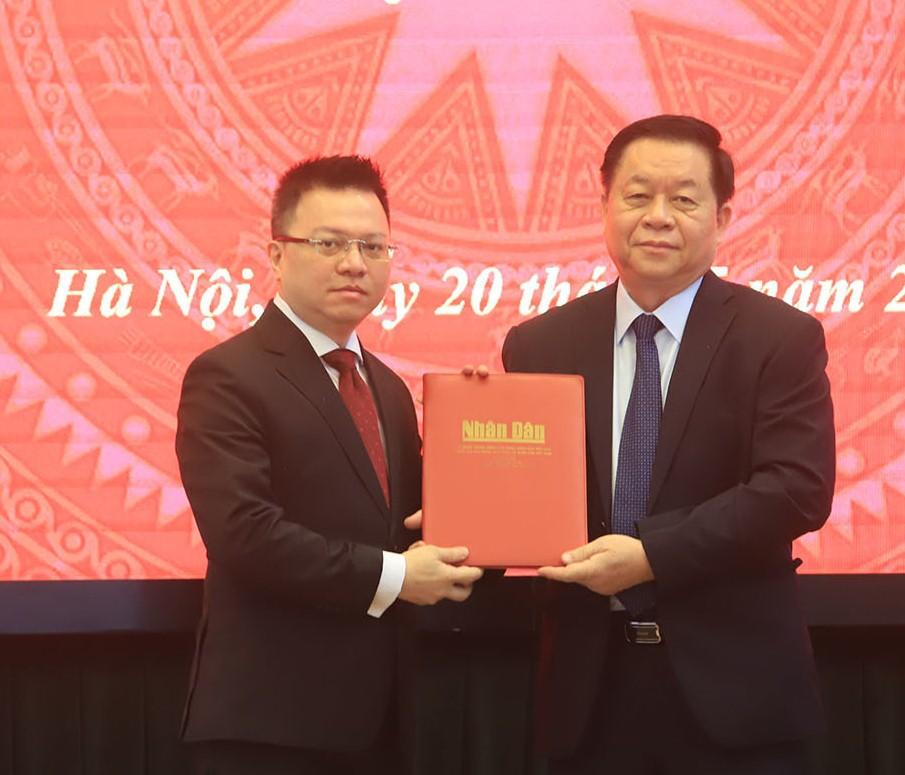 Ông Lê Quốc Minh làm Tổng Biên tập báo Nhân Dân thay ông Thuận Hữu - Ảnh 1.