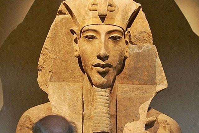 Dung mạo pharaoh Ai Cập Akhenaten có gì bí ẩn? - Ảnh 1.
