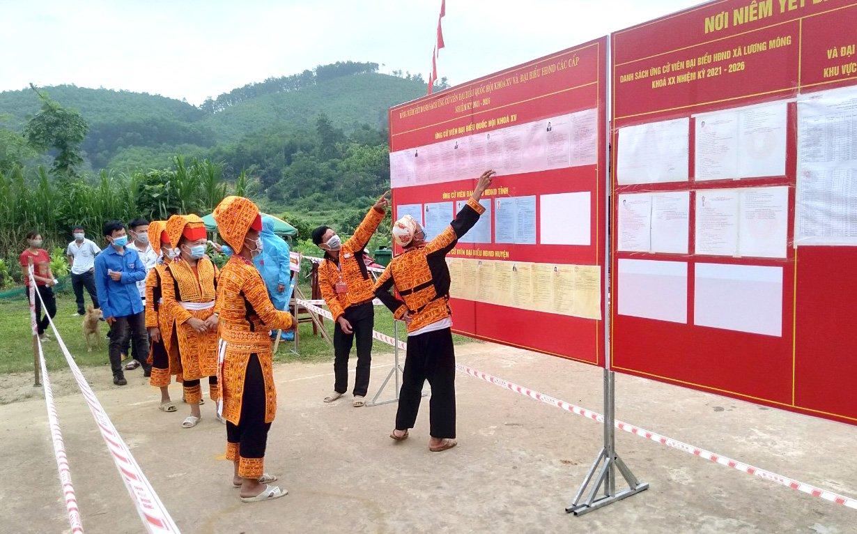 Người Dao ở Ba Chẽ đi bầu cử - Ảnh 8.