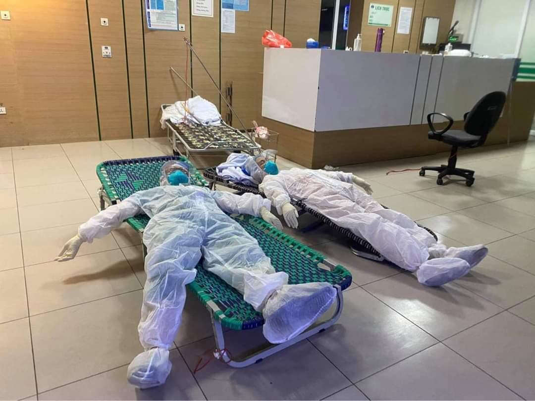 """Hết hạn cách ly, BV Bệnh Nhiệt đới TƯ cơ sở 2 tự """"đóng cửa"""" chuyên tâm điều trị bệnh nhân Covid-19 - Ảnh 6."""