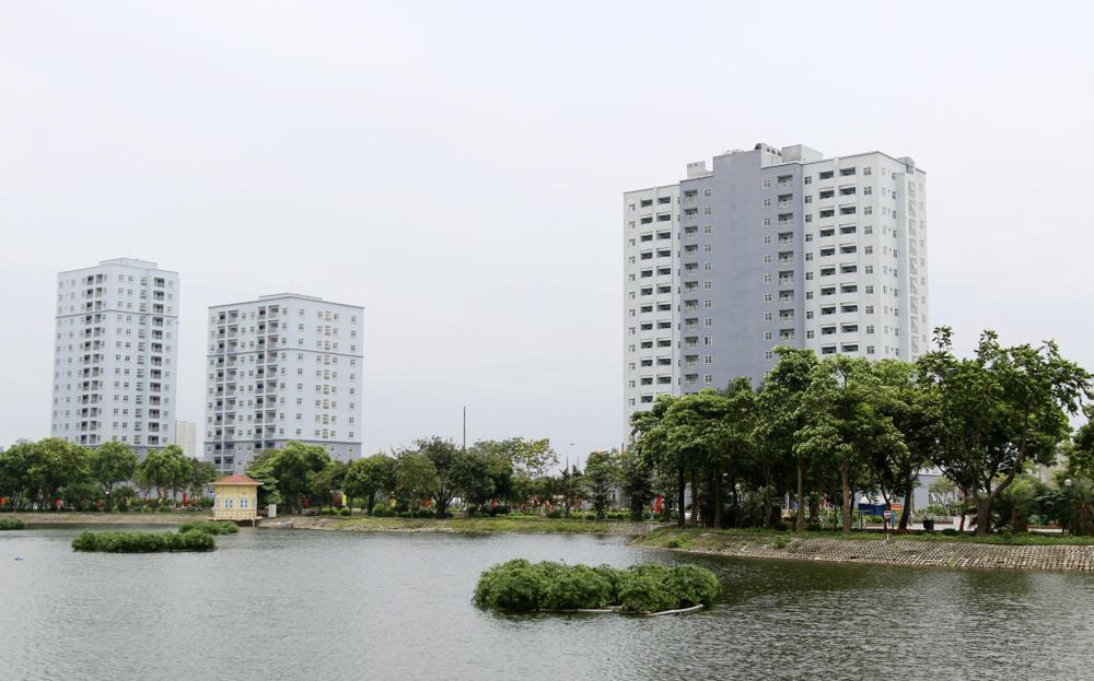 """Hà Nội: Sát mặt đường lớn, 3 tòa chung cư trên """"đất vàng"""" không có người ở, kim tiêm la liệt - Ảnh 13."""