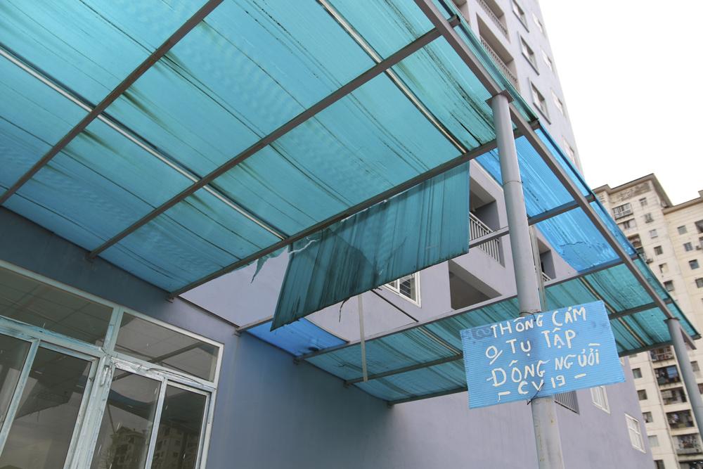 """Hà Nội: Sát mặt đường lớn, 3 tòa chung cư trên """"đất vàng"""" không có người ở, kim tiêm la liệt - Ảnh 8."""
