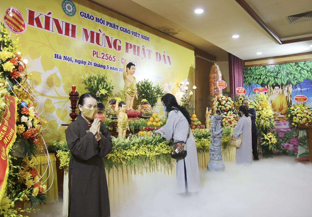 Từ 0h ngày 29/5, Hà Nội dừng hoạt động tôn giáo, tín ngưỡng - Ảnh 1.