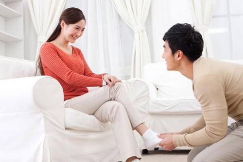 Yêu vợ, chiều chuộng vợ như bà hoàng, tôi phát hiện sự thật đau lòng đằng sau tấm ảnh nóng - Ảnh 1.