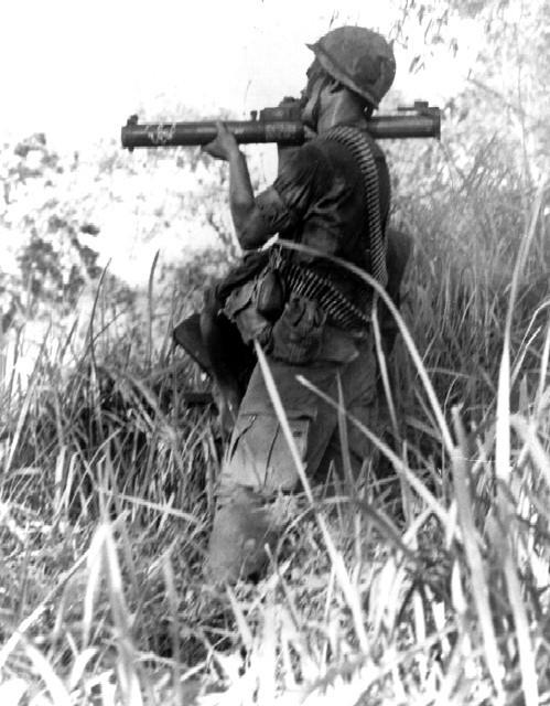"""Sự """"bất lực"""" của súng chống tăng M72 Mỹ ở chiến trường Việt Nam - Ảnh 7."""