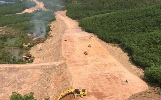 Dự án cao tốc Cam Lộ- La Sơn gặp khó vì giá đất san lấp quá cao so với dự toán