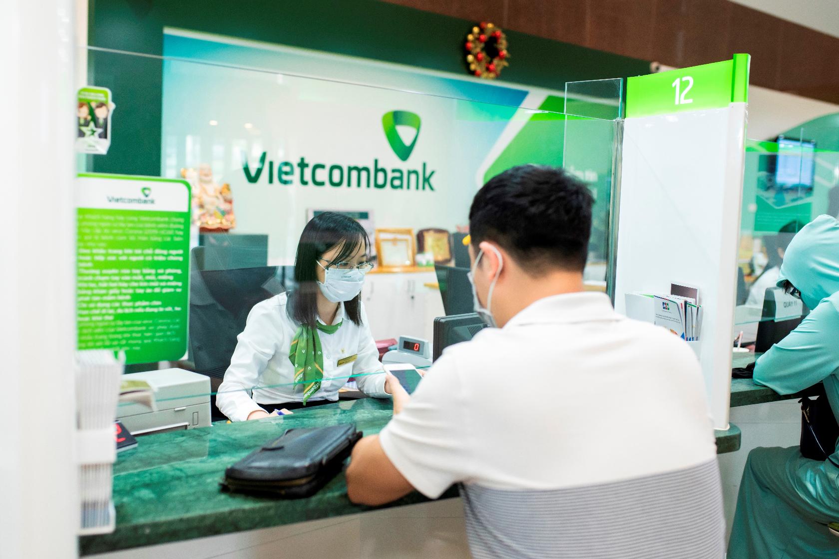 S&P nâng đánh giá triển vọng tín nhiệm của Vietcombank từ mức ổn định lên mức tích cực - Ảnh 2.