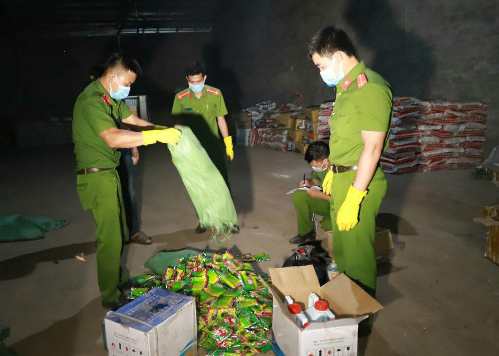 Đắk Nông: Phát hiện hơn 1.500 sản phẩm thuốc bảo vệ thực vật nằm trong danh mục cấm - Ảnh 1.