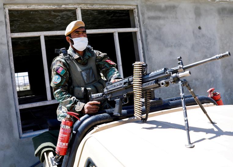 Taliban cảnh báo các quốc gia lân cận không nên cho quân đội Mỹ sử dụng lãnh thổ - Ảnh 1.