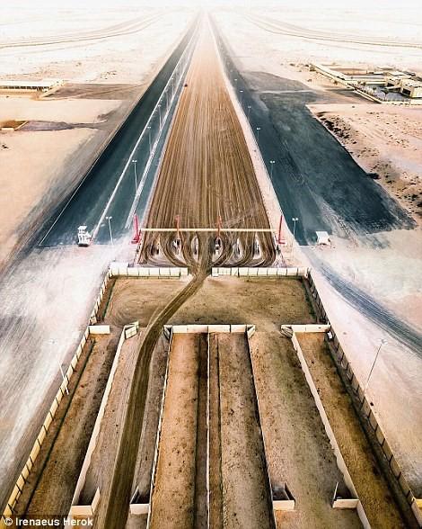 Vẻ đẹp siêu thực của Dubai nhìn từ trên cao - Ảnh 1.