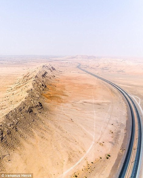 Vẻ đẹp siêu thực của Dubai nhìn từ trên cao - Ảnh 17.