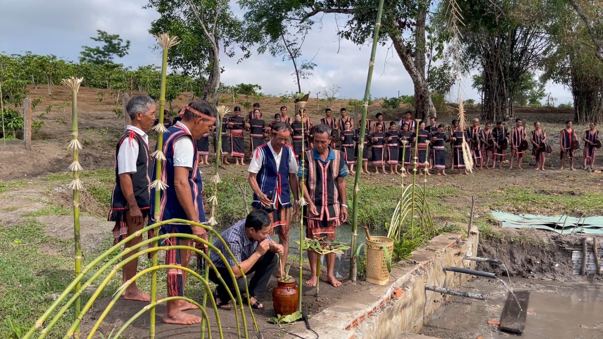 Gia Lai: Độc đáo lễ cúng Giọt nước có thể cầu một năm mưa thuận gió hòa - Ảnh 3.
